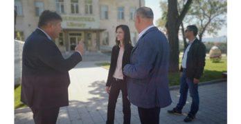 Мария Габриел: Библиотеките са свято място! Една от точките за безплатен интернет ще бъде библиотеката в Свиленград