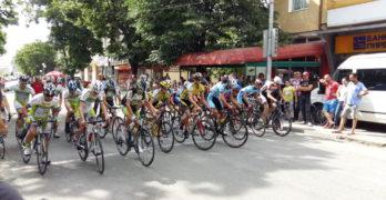 Колоездачният клуб набира момчета, желаещи да практикуват един от най-мъжките спортове