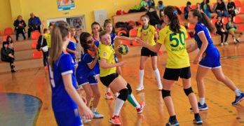 """14-годишните хандбалистки на Свиленград са без конкуренция в зона """"Тракия"""""""