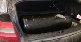 Марихуана в газова бутилка на лек автомобил откриха на МП Капитан Андреево