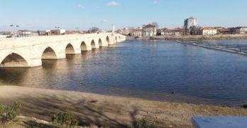 """""""Изчезнаха"""" пясъчните наноси във водното огледало на Марица в Свиленград"""