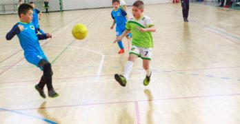 Близо 100 деца от 4 школи мериха футболни умения в Свиленград /снимки/