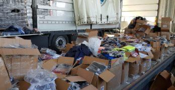 """Близо 50 100 текстилни изделия, обувки и чанти, имитации на световноизвестни марки задържаха митническите служители в района на ГКПП """"Капитан Петко войвода"""""""