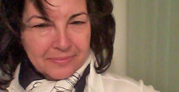 """Веселина Щерева дари маски на аптекарките в свиленградската """"Гален"""""""