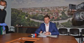 Кметът на Хасково увеличава двойно камерите за видеонаблюдение,  спира уличните машини за кафе