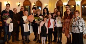 """Голямата награда на """"Жената – любима и майка"""" бе присъдена на Светлана Ангелова от Харманли"""
