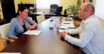 Кметът на Свиленград арх. Карчев разговаря с д-р Емилия Караславова за възможните превантивни мерки срещу коронавируса