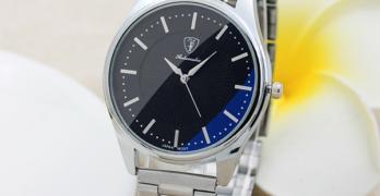 Всеки, уважаващ себе си, мъж носи задължително метален часовник