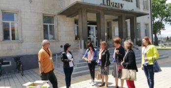 """Поредното дарение от книги направиха дамите от свиленградския Лайънс клуб """"Свилена"""""""