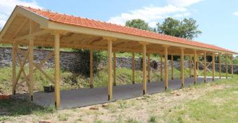 Дарители изградиха дървен навес в двора на църквата в с. Йерусалимово