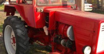 "Продавам трактор ""Владимировец"""
