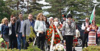 Тракийци се поклониха пред паметта на изкланите от турци над 200 деца и бежанци