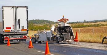 Работник е със счупен ломбален прешлен, след удар от товарен автомобил на магистралата край Свиленград