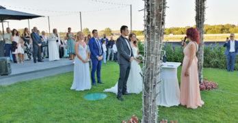 Стилна и тежка сватба разтресе основите на Стария мост в Свиленград