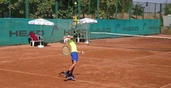 Маринов срещу Георгиев при юношите и Рогачева срещу Денчева при девойките са финалите на турнир от Тенис Европа в Свиленград