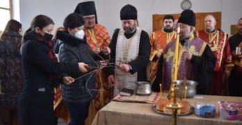 Областният управител на област Хасково д-р Стефка Здравкова участва в ритуала по зарязване на лозята в Харманли