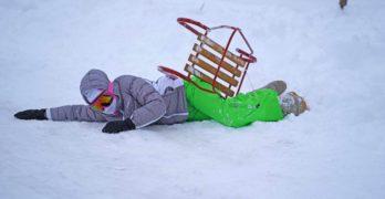 Свиленградското село Мезек се превърна в зимен център за пързаляне /снимки/