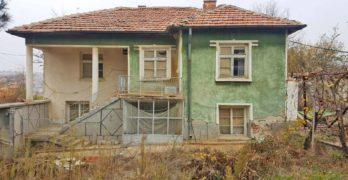 Продавам къща в Свиленградско