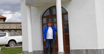 Валентин Куманов строи църква в свиленградското село Младиново