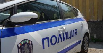 Полицаи хванаха мотопедист да кара без номера, написаха му 4 акта