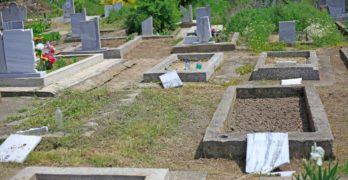 Оскверниха селски гробища