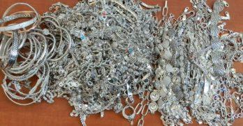 Прокуратурата привлече като обвиняем сръбски гражданин за контрабанда на сребърни накити за 54852 лева