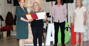 Мария Костадинова, зам.- кмет на Свиленград, към учителите: Всички Вие сте много важни, особено сега /видео/