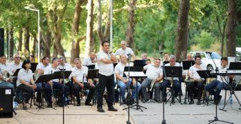 """Традиционният за Свиленград тържествен концерт """"На учителя с любов"""" е днес в Градския парк"""