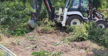 """Започна благоустрояването на парка в свиленградския квартал """"Капитан Петко войвода"""""""