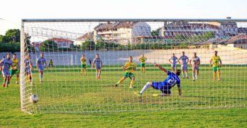 Свиленградчани с грешен старт на първенството в Областната футболна група