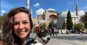Бездомно свиленградско куче стигна до Света София в Истанбул, продължава за Чехия