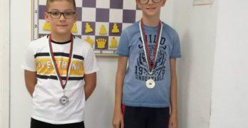 Злато и сребро за свиленградските шахматисти