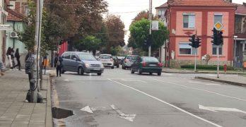 Внимание! Не работи светофарът срещу пощата в Свиленград